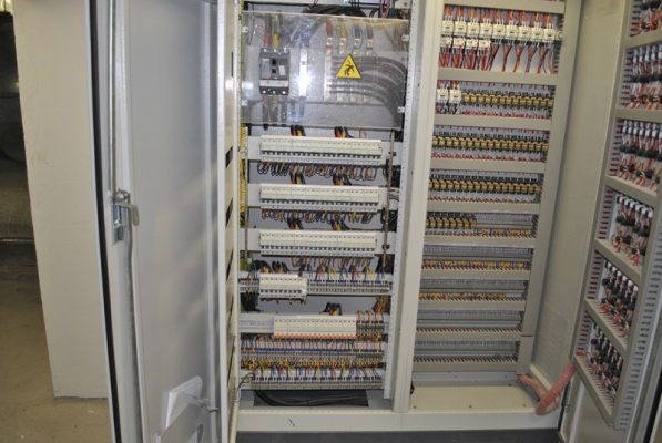 Tủ điện công nghiệp giúp bảo vệ các thiết bị điện