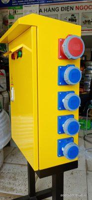 tủ điện thi công